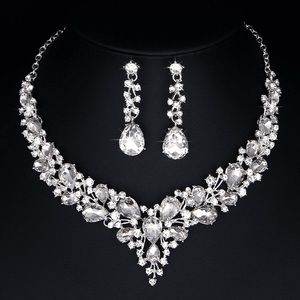 Crystal necklace and earrings set!
